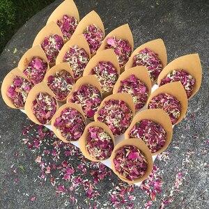 Image 5 - 1 набор свадебных конфетти, сушеные цветы, конфетти для свадебного декора, биоразлагаемые конфетти, свадебные натуральные лепестки роз