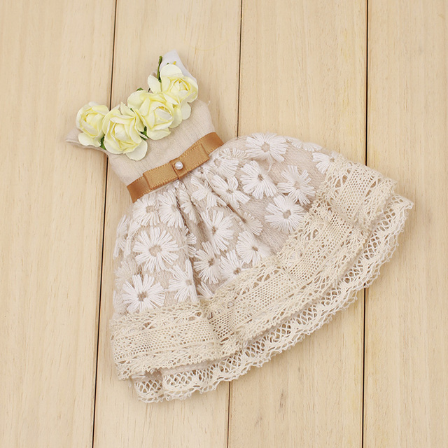 Neo Blythe Lacey Flower Dress