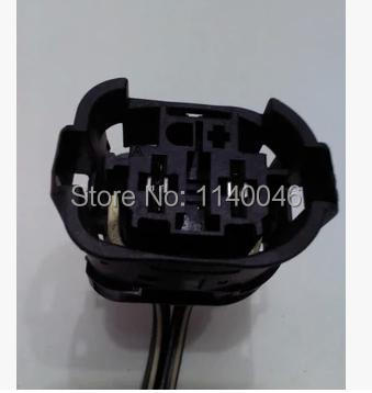 1PCS Used FOR  BMW fan / electronic fan Plug / car connector / harness connector 1pcs for bmw computer board plug connector used 7 505 478