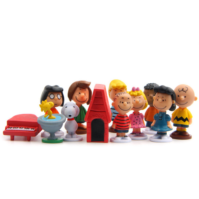 12pcs/pack Cut Anime Peanuts Figurine Charlie Brown And Friends Beagle Woodstock Miniature Model kids toy gift Animiation Action 3