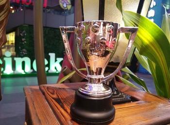 La Liga Championship Trophy cup Football Soccer Souvenirs Award for Soccer Match Award The Champions Award Free Shippin the soccer book