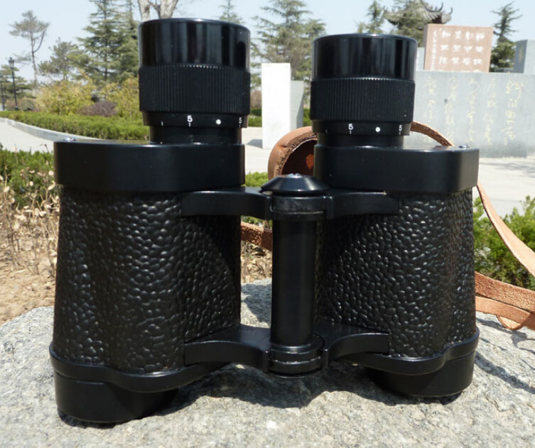High Power Military 62 8X30 Big Objective Lens Telescope Waterproof Army Binoculars with Rangefinder Function