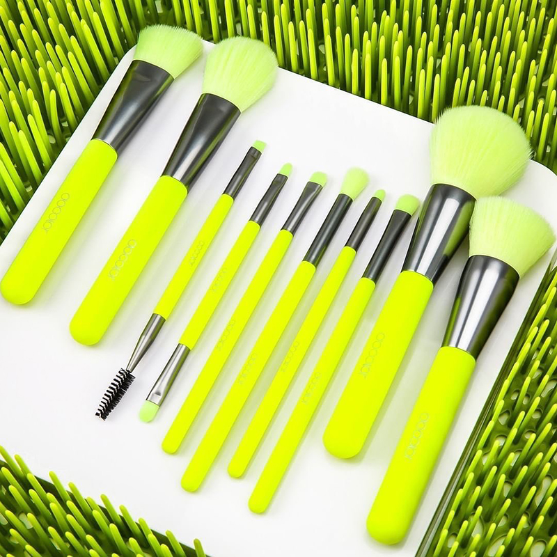 Docolor 10Pcs Makeup Brush Kit for Applying Makeup on Eye Eyebrows Cheeks and Full Face 5