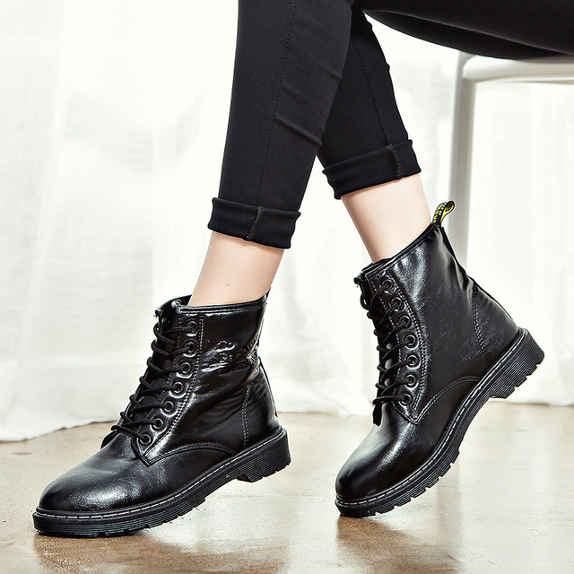 Güzel Yeni Kadın çizmeler kadın ayakkabıları Bayan Için Hakiki Deri Çizmeler Beyaz Büyük yarım çizmeler