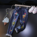 2017 primavera outono calça jeans patchwork padrão dos desenhos animados infantis meninos meninas buracos denim calças de ganga casuais crianças moda roupas 2-7 T