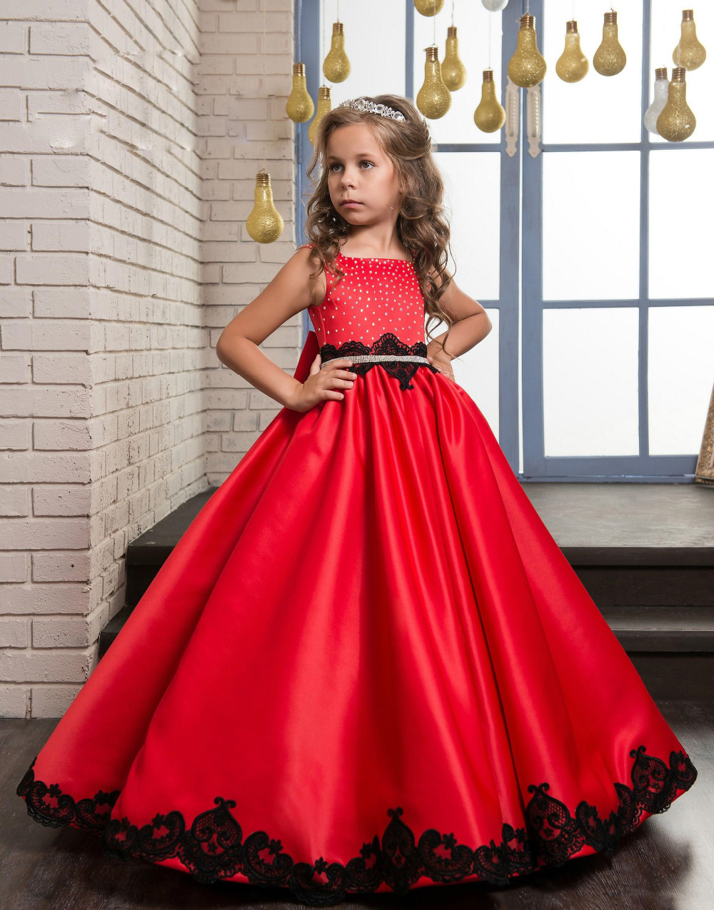 2017 Satin Beaded Appliques Flower Girls Dress Long First Communion Dresses With Sashes New Girls Pageant Dresses For Wedding