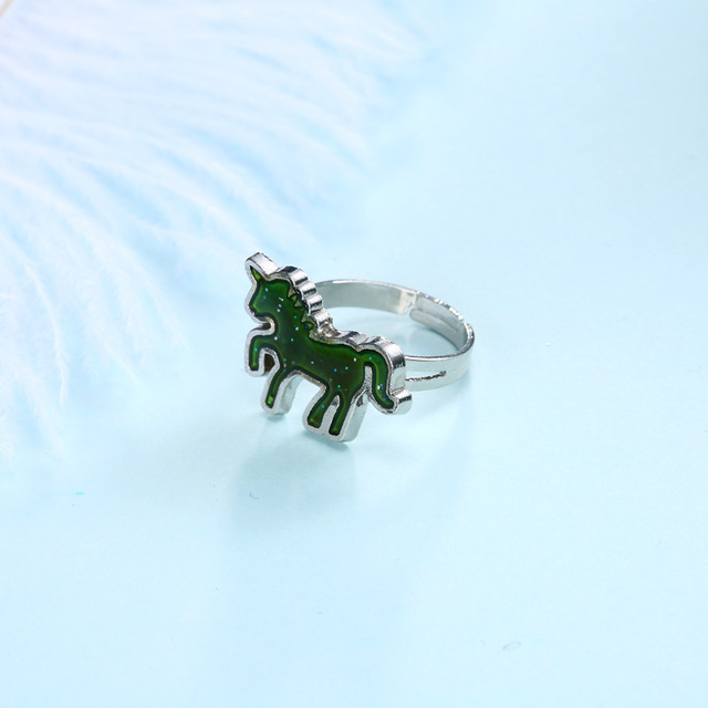 UNICORN COLOR CHANGE RING