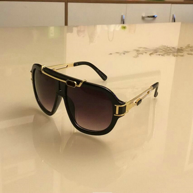 KAPELUS European and American fashion gold sunglasses, men and women frog mirror, women's casual glasses 8018
