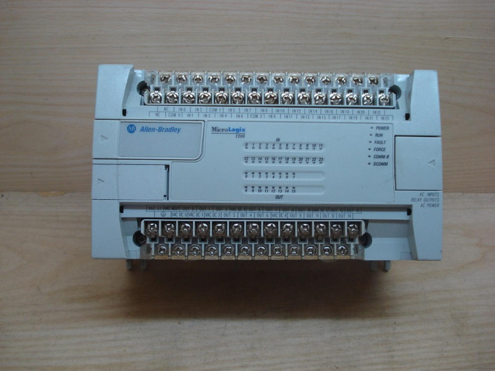 1762-L40AWAR  AB-PLC used in good condition 1762 if20f2