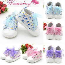 Купить с кэшбэком Baby Shoes Flower Ribbon Baby Girl Sneaker Lace Up Soft Sole Prewalkers HOT