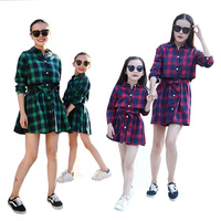 2017 mãe e filha combinando família mãe e filha se veste roupas xadrez vestido de crianças entre pais e filhos criança crianças outwear roupas 2-13 Y