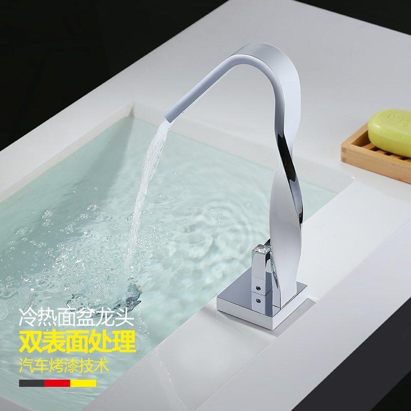 Grifo de baño de cocina de cobre lleno de cromo plateado lavabo de un solo agujero giro giratorio Salida de pintura grifo blanco wx5141130 - 3