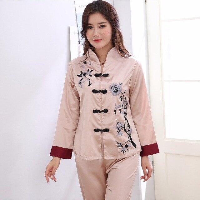 c7c44dceb Plus Size 3XL Bordados Roupa Chinesa Feminino Pijamas Set Mulheres Pijama  Sleepwear de Manga Comprida Camisa