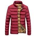 2016 nueva moda de invierno casual cuello alto delgado abajo de algodón hombres de la chaqueta de párrafo corto Delgado era delgada masculina escudo