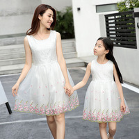 2017 Summer Mother Daughter Dresses Family Matching Clothes Flower Princess Dress Kids Parent Child Photography Props