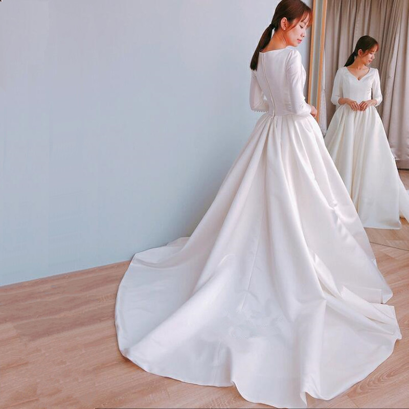 Vinca Sunny White Ball Gown Wedding Dresses 2019 Long sleeve V Neck Luxury Satin Bride Dress