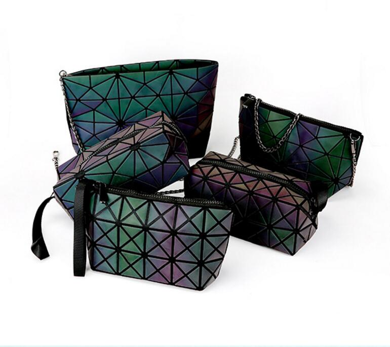2018 New Geometric Zipper Cosmetic Bag Women Luminous Makeup Bag Ladies Cosmetics Organizer Folding Travel Make Up Bag