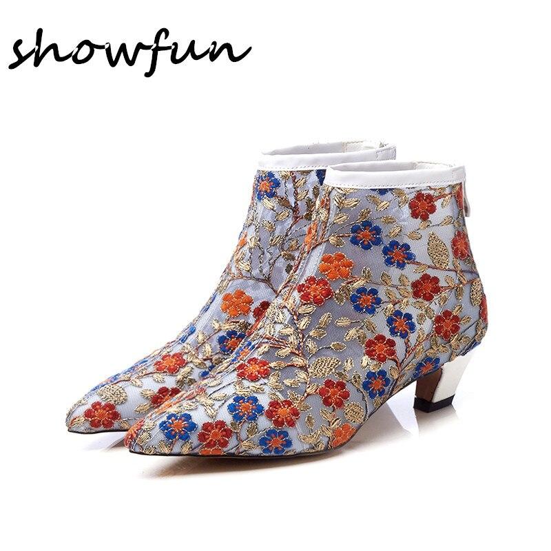 Vrouwen mesh Borduren bloem lente nieuwe enkellaarsjes merk ontwerp puntschoen lage hak comfort retro luxe korte laarsjes schoenen-in Enkellaars van Schoenen op  Groep 1