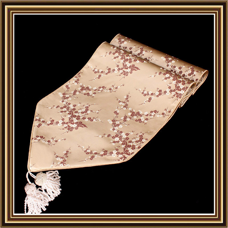 Vintage And Antique Tablecloth Runners Pillowore