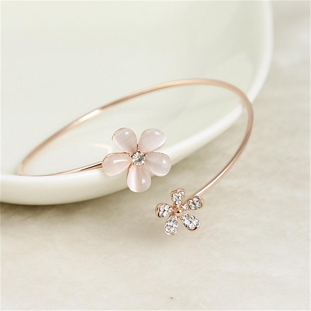 Elegant Flowers Adorn Bracelet for Women Girls Fashion Women Bangle Flower Crystals Cuff Bracelet Charm Jewelrys Gifts HOT