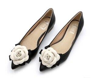 Image 1 - Zapatos planos con punta en pico para mujer, zapatillas femeninas de cuero genuino, con forro de flores, zapatos planos, calzado femenino de otoño, Scarpe Donna, 2019