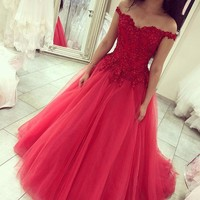 Vestido De Novia 2018 Romantic Red Formal Evening Dress Off the Shoulder with Appliques Beaded A Line Dress Tulle Bridal Gowns