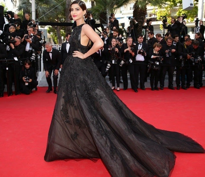 W104 2016 cannes 68th Sonam Kapoor Red Carpet Ball Gown Black ...