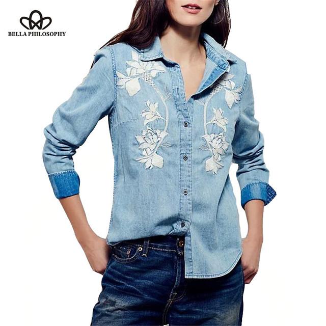 Bella philosophy 2017 primavera verão new floral étnico bordado denim lavado camisa de manga comprida blusa azul claro