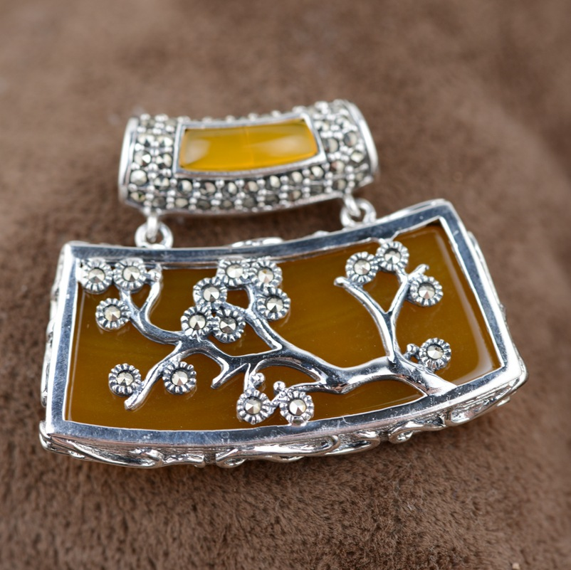 Thai silver wholesale S925 silver inlaid Huang Yusui red Zircon Pendant female models simple new atmosphere s925 sterling silver inlaid natural stone thai silver beautiful burning blue brooch female pendant new products