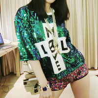 Vintage Sexy Hip Hop Girls Glittering Laser Sequin Dancing Half Sleeve Shiny Loose Fashion T Shirt with Cool Letter Design
