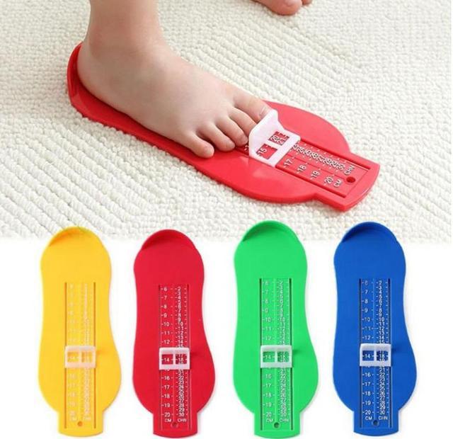 Bebé Souvenirs pie zapato tamaño medidor herramienta dispositivo de medición regla novedad divertidos Gadgets educativos aprendizaje juguetes para niños pequeños