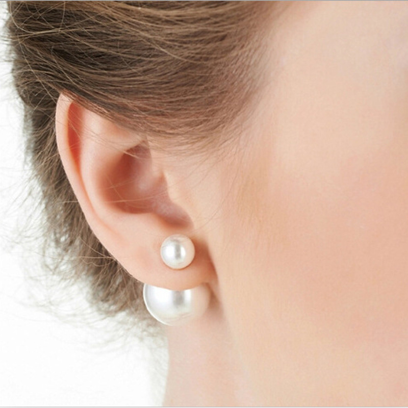 Korean fashion earrings in 10 caramel colours, wholesale in the shape of double-coloured pearl double-sided female Earrings(China)