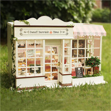 Cute Families House Dolls Furniture Sweet Berry Time Diy Miniature Wooden Toys Gifts for Children Juguetes Brinquedos