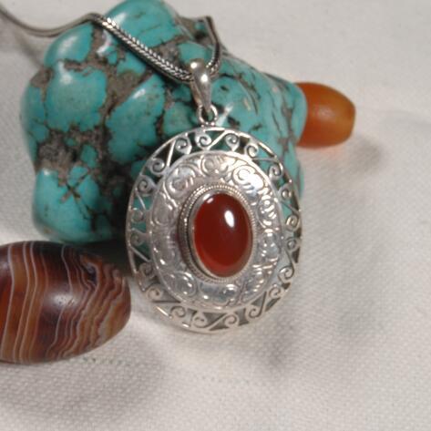 Collier pendentif en argent népalais 925 fait main avec symbole de bonne chance collier pendentif en pierre rouge tibétain bijoux de bohême