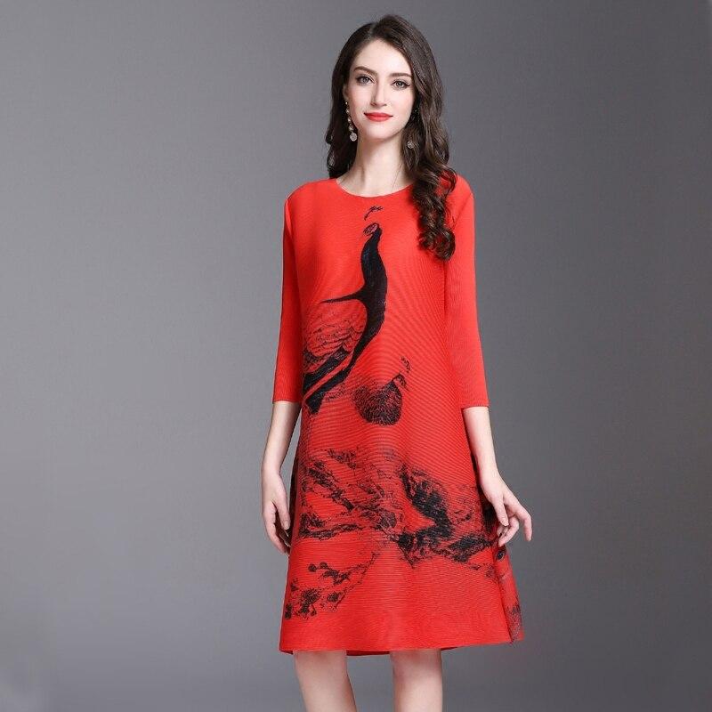 2018 lente Nieuwe gedrukt jurken Vintage Miyak Geplooide Ontwerp Losse Grote maat 3/4 mouw Vrouwelijke knielange jurk D34790-in Jurken van Dames Kleding op  Groep 3