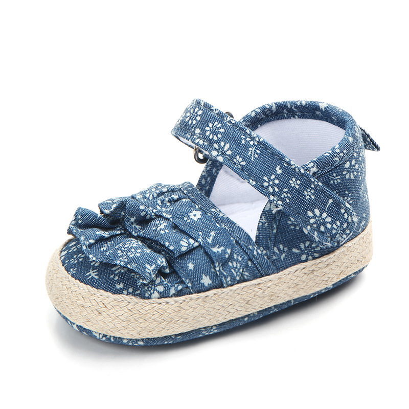 Купить с кэшбэком Newborn Baby Girl Shoes Spring Jean with Flower Baby Shoes First Walkers Comfort Casual Baby Girl Garden Shoes