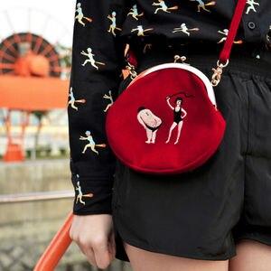 Image 5 - YIZI SToRe, винтажные бархатные женские сумки мессенджеры с вышивкой в полукруглой круглой форме, оригинальный дизайн (FUN KIK)