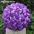 Nueva Llegada de Envío de La Gota Impresionantes flores Romantic Purple Satén Rosa Artificial Ramo De La Boda Ramos de Novia
