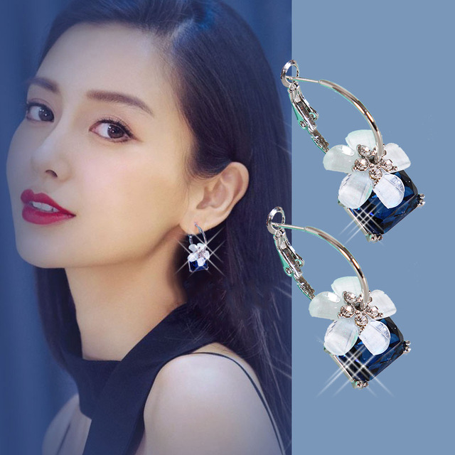 14099e989772 Pendientes coreanos exagerados atmósfera tendencia temperamento moda oreja  joyería cristal cereza pendientes para mujer