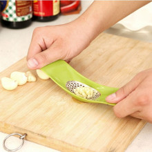 JUMAYO SHOP COLLECTIONS – GARLIC PRESSER TOOL