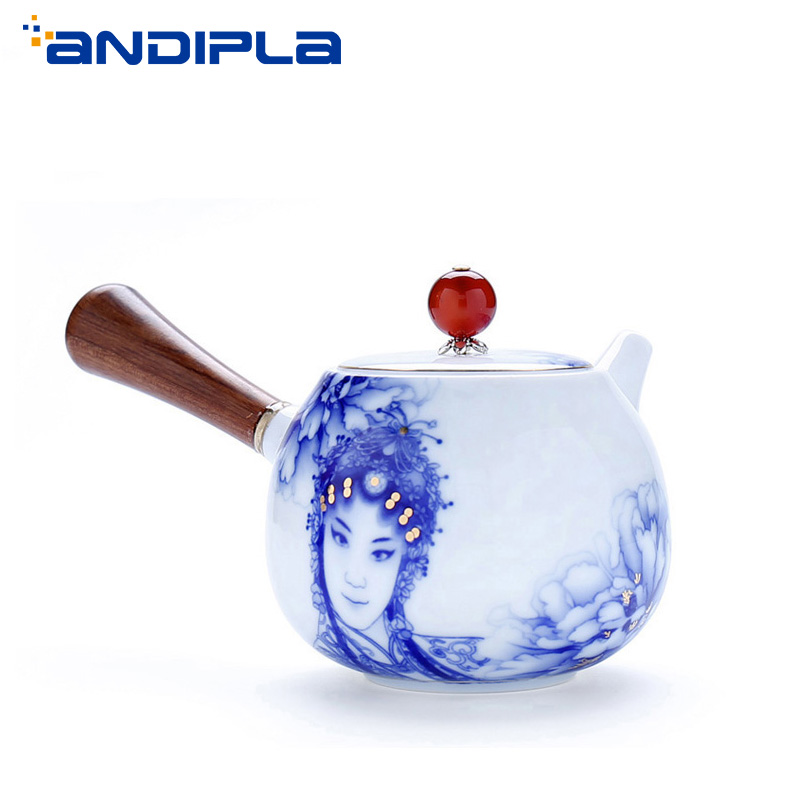 500ml Chinese Peking Opera Rosewood Side Handle Teapot Ceramic Blue and White Porcelain Tea Pot Tea Maker Kung Fu Tea Set Kettle