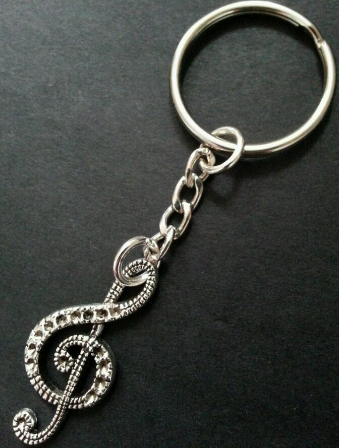 Hot Vintage Silver Charm Treble Clef Music Note Keychain For Keys Car Key Ring Souvenir Gifts Couple Handbag Key Chains Z463