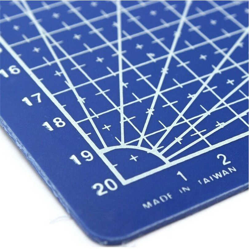 PVC Cutting Mat A4 Durable Self-Healing Cut Pad Patchwork Tools Handmade Diy Accessory Cutting Plate 30 * 22 cm AK4-24