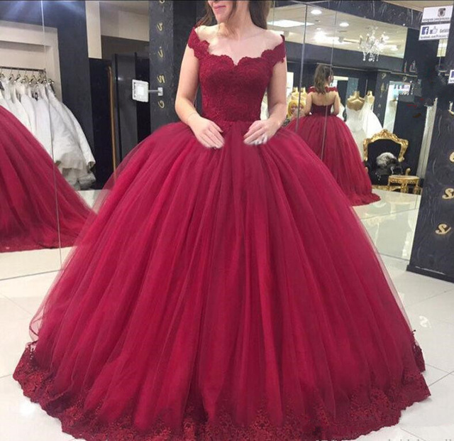 Elegant  Off The Shoulder V-Neck Appliques Tulle Lace-Up Flowers Backless Ball Gown vestidos de 15 anos Quinceanera Dresses