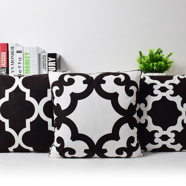 New Geometric Abstract Quatrefoil Velvet Cushion Cover Black White