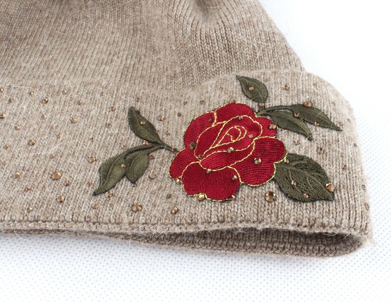 Blume Stickerei Beanies Damen Hut Winter Fell Pompons Beanie Hüte - Bekleidungszubehör - Foto 6