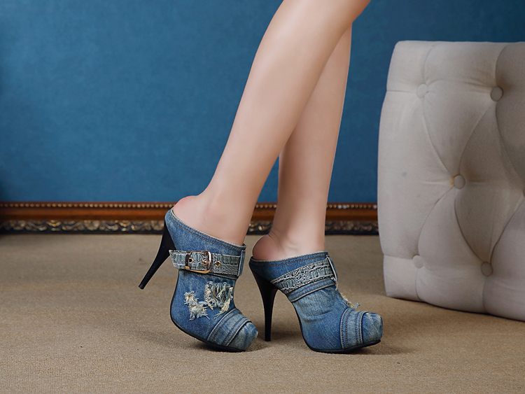 Sexy and fashionable nightclub with fine with high quality spring and summer in baotou denim fashion sandals, slippers