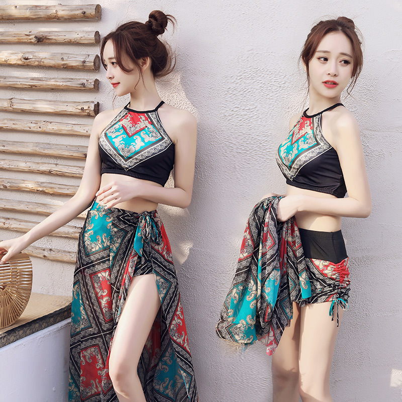 Little scent hot spring bathing suit lady Conservative split three pieces set to gather thin shade sexy national style swimsuit in Bikinis Set from Sports Entertainment
