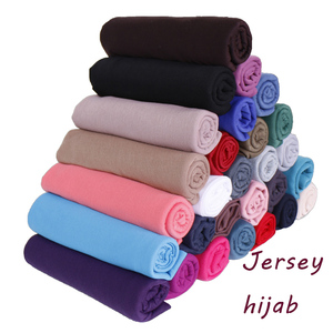 Image 1 - Yüksek kaliteli pamuklu jarse başörtüsü eşarp düz şal düz esneklik kadınlar eşarplar maxi başörtüsü müslüman sarar 20 adet/grup 31 renk