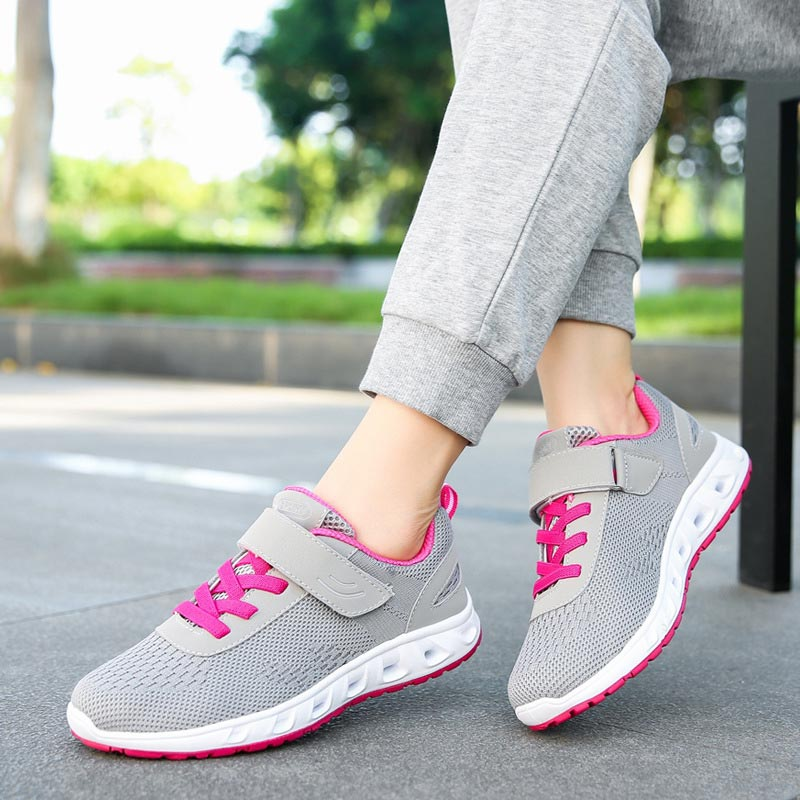 2019 new spring casual flying women shoes light flat bottom women sneakers tenis feminino breathable mesh ladies shoes woman